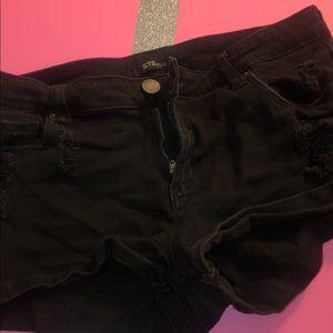 Black shorts 💓